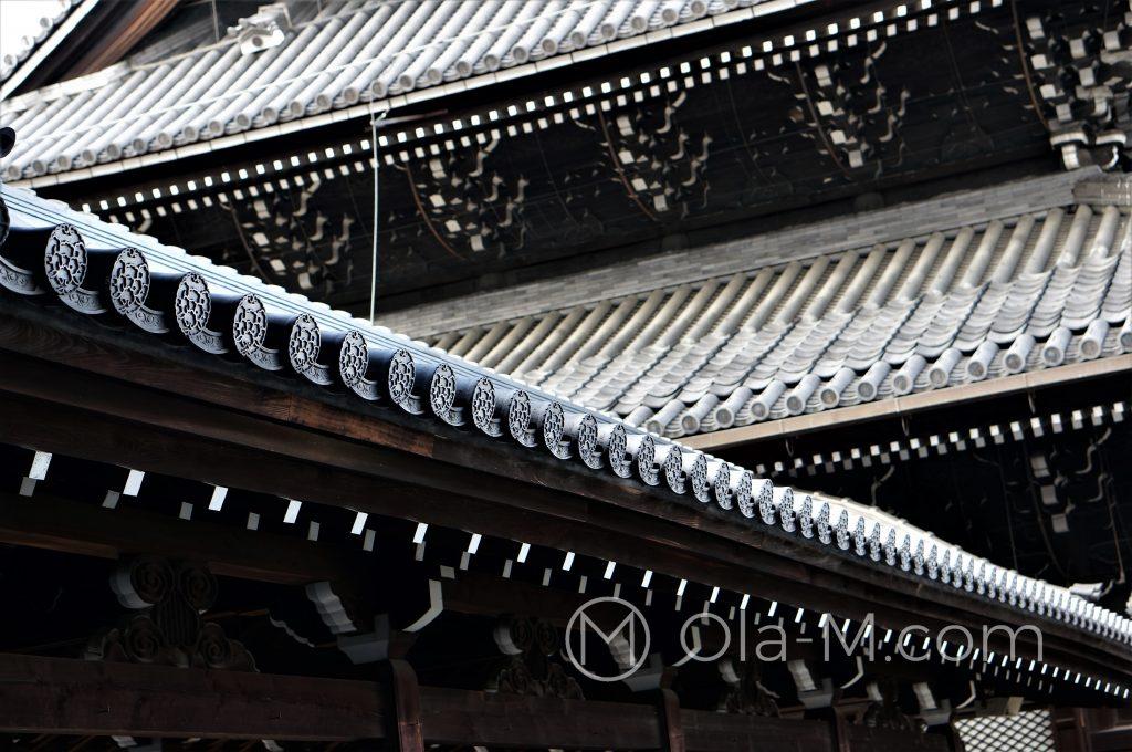 Kioto, świątynia Kōshō-ji - misternie zdobiony dach