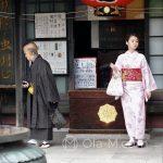 Tokio, Świątynia Senso-ji - taka nieco ekstrawagancka para...