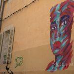Marsylia - Le Panier - wypatrywanie artystycznych graffiti na starych kamienicach jest częścią zwiedzania tej dzielnicy