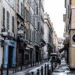 Marsylia - Stare Miasto między Starym Portem i Operą - im dalej od Portu, tym bardziej reprezentacyjne stają się uliczki