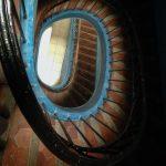 Marsylia - kamienica w Starym Porcie - stara klatka schodowa