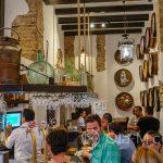 Malaga - Bodega El Pimpi - w historycznych pomieszczeniach starego mieszczańskiego domu z początków XIX wieku