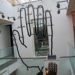 Malaga - Interaktywne Muzeum Muzyki - używana obecnie pięciolinia wzięła się od notacji wykorzystującej ludzką dłoń - szkoda, że nie uczyli tego w szkole...