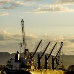 Port w Maladze - statek techniczny w przemysłowej część portu