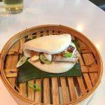 """Malaga - restauracja Udon - drożdzowa """"bułeczka"""" z nadzieniem z marynowanej wołowiny - numer dwa na mojej liście zaraz za ramenem"""