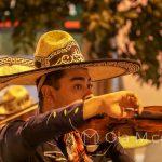Malaga - uliczni muzykanci - panowie Meksykanie grali świetnie i mieli też przepiękne kostiumy
