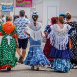 Andaluzja - Fiesta - Feria de Ronda - w czasie fiesty w mieście roi się od kolorowo wystrojonych kobiet