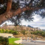 Malaga - wzgórze Gibralfaro z ruinami zabudowań obronnych