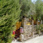 Andaluzja - Ronda - Restauracja Las Banderas taras ukryty przez wzrokiem przejezdnych i przed słońcem