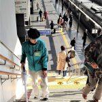 Dworzec w Kioto - schody potraktowane odkurzaczem są czyściuteńkie, podobnie jak reszta dworca