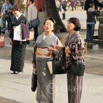 Tokio, Świątynia Senso-ji - panie w tradycyjnych i bardzo eleganckich kimonach