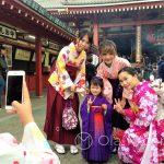 Święto Shichi-go-san - ta dziewczynka ze stoickim spokojem pozowała do niezliczonych fotek