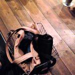 Japonia - w restauracjach obsługa podaje koszyk, w którym można położyć torebkę, żeby się nie brudziła na podłodze