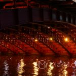 Tokio, pięknie oświetlony most na rzece Sumida