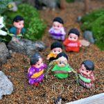 Tokio - Świątynia Meiji - okolicznościowa wystawa ogródków bonzai ze scenkami rodzajowymi