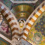 Marsylia - Bazylika Notre Dame de la Garde - wnętrze jest pełne misternych szczegółów