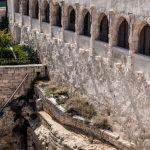 Marsylia - Fort Saint-Jean - stare mury pełne śródziemnego uroku