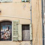 Marsylia - Stare Miasto między Starym Portem i Operą - miło jest odkrywać małe szczegóły na kamieniczkach