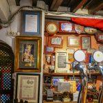 Malaga - Bodega El Pimpi - wiele przytulnych sal do wyboru