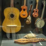 Malaga - Interaktywne Muzeum Muzyki - do wytwarzania instrumentów muzycznych można też wykorzystać... pancernika