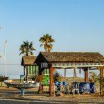 Plaża Pedregalejo - chiringuito jeszcze nie działa, ogień jest dopiero nieśpiesznie rozpalany wraz z zachodem słońca