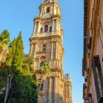 """Malaga - Stare Miasto - Katedra - na budowę drugiej wieży zabrakło pięniędzy, dlatego katedra jest nazywana """"jednoręką"""""""
