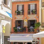 Malaga - Stare Miasto - większość tych obrazów malowana jest na ceramicznych kafelkach