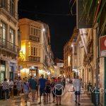 Malaga - Stare Miasto wieczorem - koło 22 na ulicach jest tłum