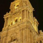 Malaga - Katedra w nocnym oświetleniu