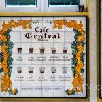 Malaga - kawa jest tu serwowana pod wieloma postaciami, głównie w zależności od proporcji kawy do mleka