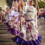 Andaluzja - Feria de Ronda 2018 - parada - grupa folklorystyczna prezentująca tradycyjne tańce