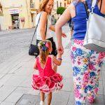 Andaluzja - Fiesta - Feria de Ronda - mała dziewczynka w stroju flamenco