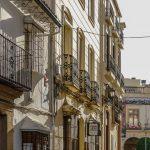 Ronda - Stare Miasto - światło odbijające się od białych fasad sprawia, że miasto promienieje światłem